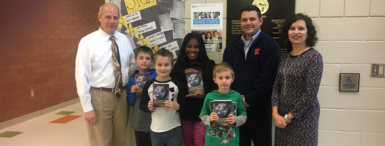 Niles Rotary donates dictionaries to our 3rd grade students