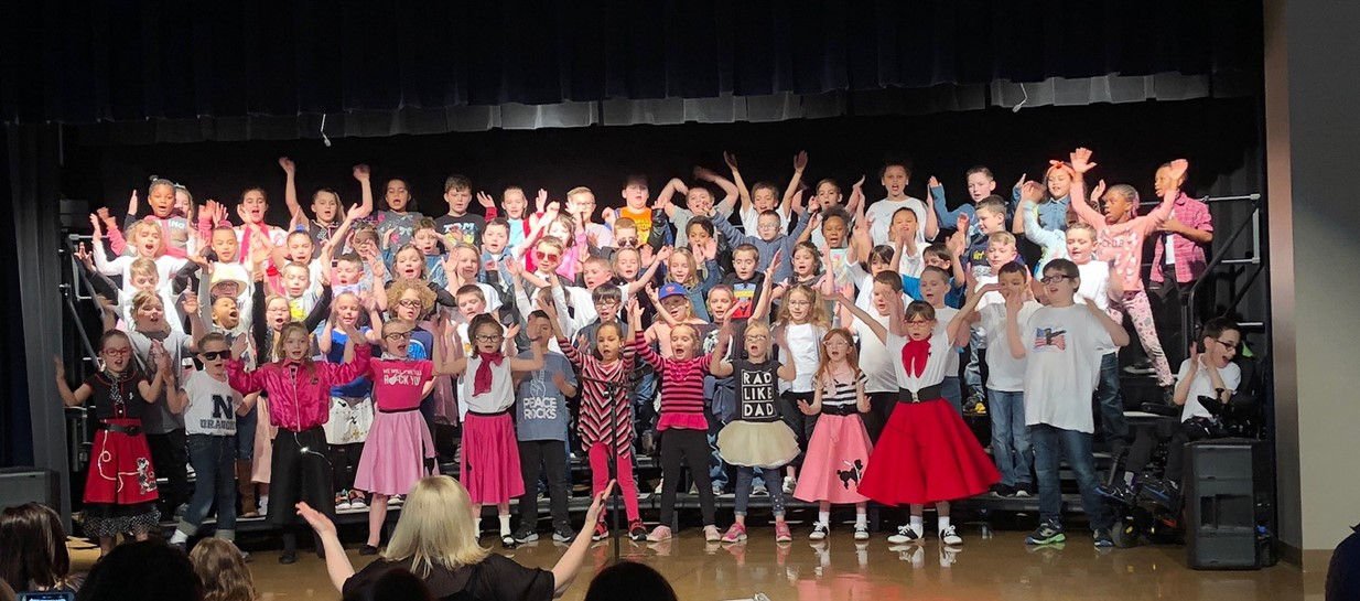 Niles second grade students mark spring with concert.